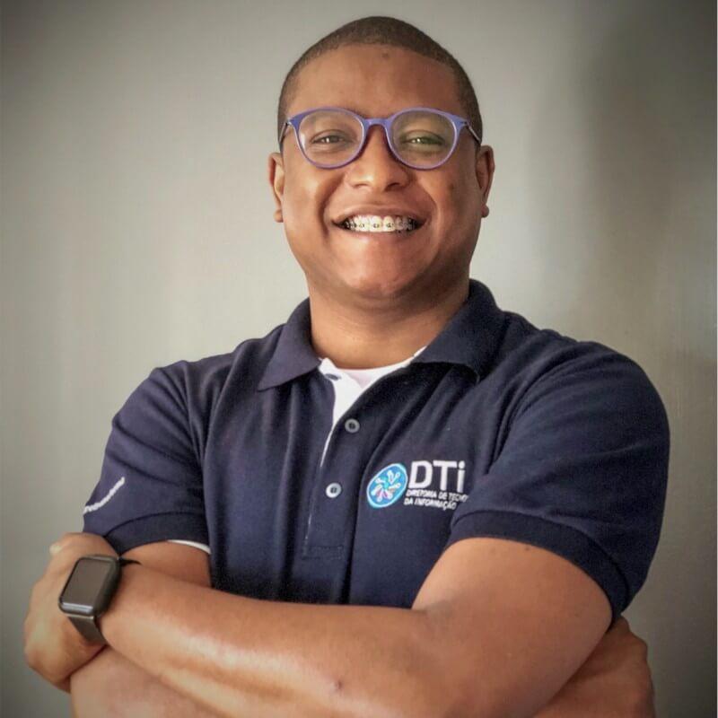 Ambassador Headshot Thiago Oliveira