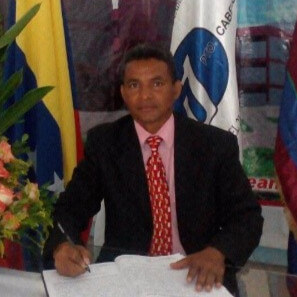 Ambassador Headshot Victor Peralta